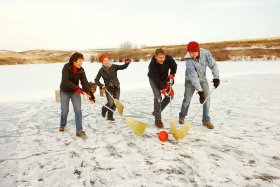ТОП-5 веселих новорічних видів спорту, фото-2