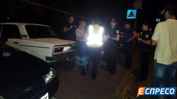 У Києві п'яні молодики влаштували погоню з копами - фото 4