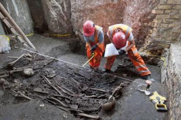 Будівельники знайшли поховання часів Великої чуми в Лондоні