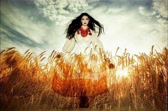 Від шаровар до камуфляжу з вишивкою  сучасне етно від українських дизайнерів ce8aea128ebc0
