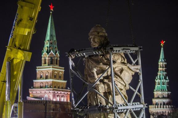Почему в Москве нужно установить памятник Мотороле