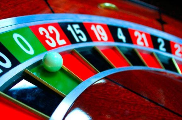 Луценко пропонує легалізувати казино у«елітних закладах»