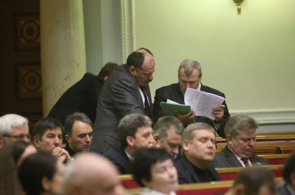 Без закону про спецконфіскаціюНФ непроголосує забюджет— Петренко