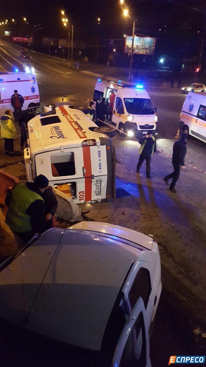 У Києві швидка спричинила смертельне ДТП (ОНОВЛЕНО) - фото 6