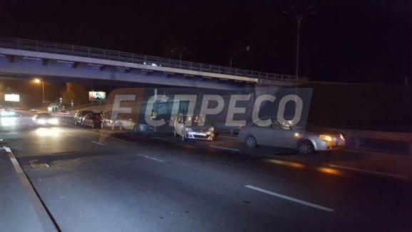 В столиці сталася масова аварія – постраждало 9 авто - фото 4