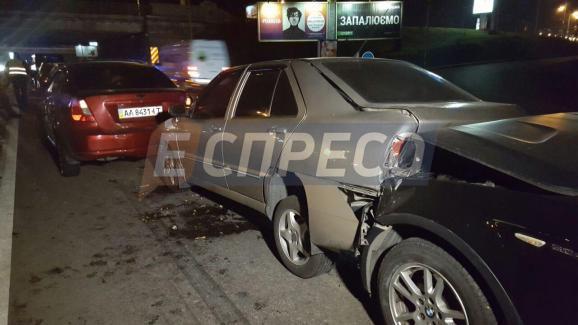 В столиці сталася масова аварія – постраждало 9 авто - фото 6