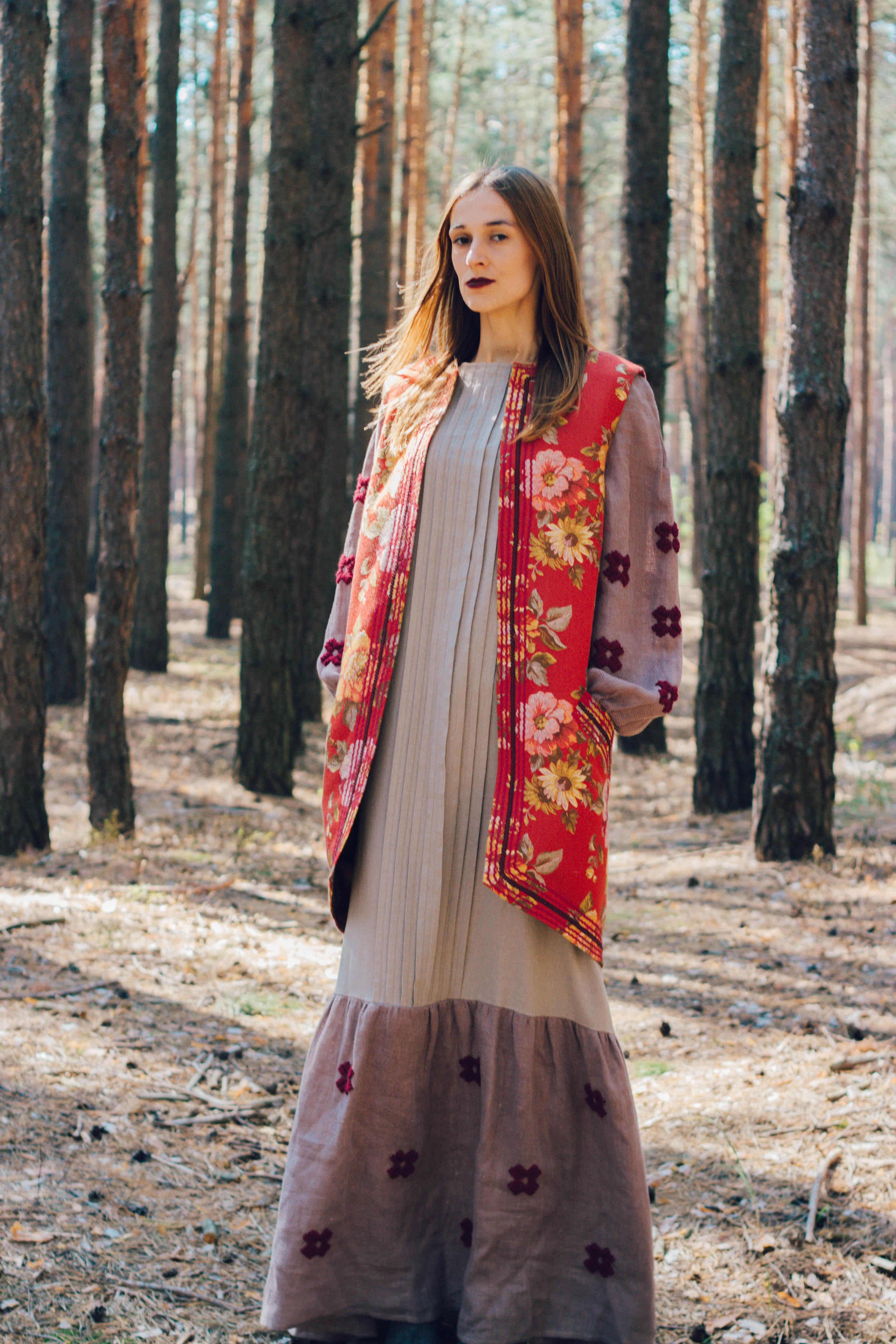 ... однією з характерних рис українського традиційного костюму є  багатошаровість e778853fcde54