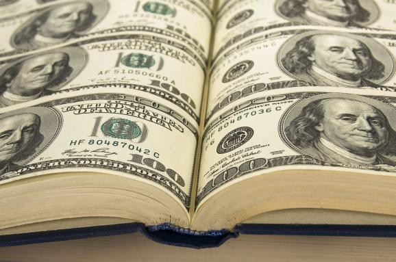 Как суеверия и иллюзии мешают вам разбогатеть