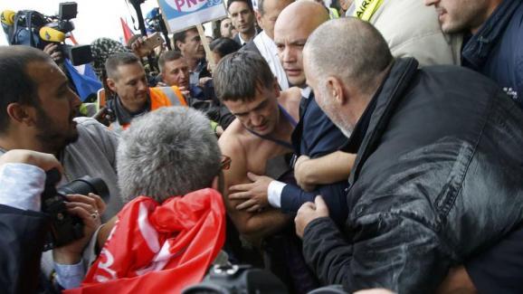забастовщики побили руководителей Air France