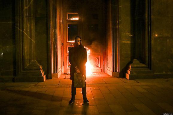 Хотів спалити ФСБ: УМоскві затримали скандального художника Павленського