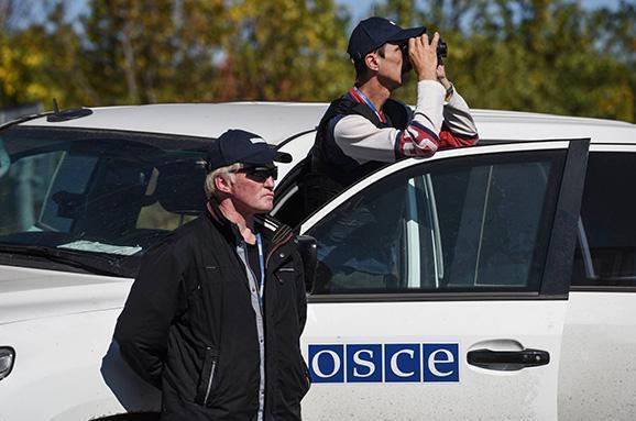 Задобу спостерігачі ОБСЄ зафіксували близько сотні обстрілів наоколицях Донецька