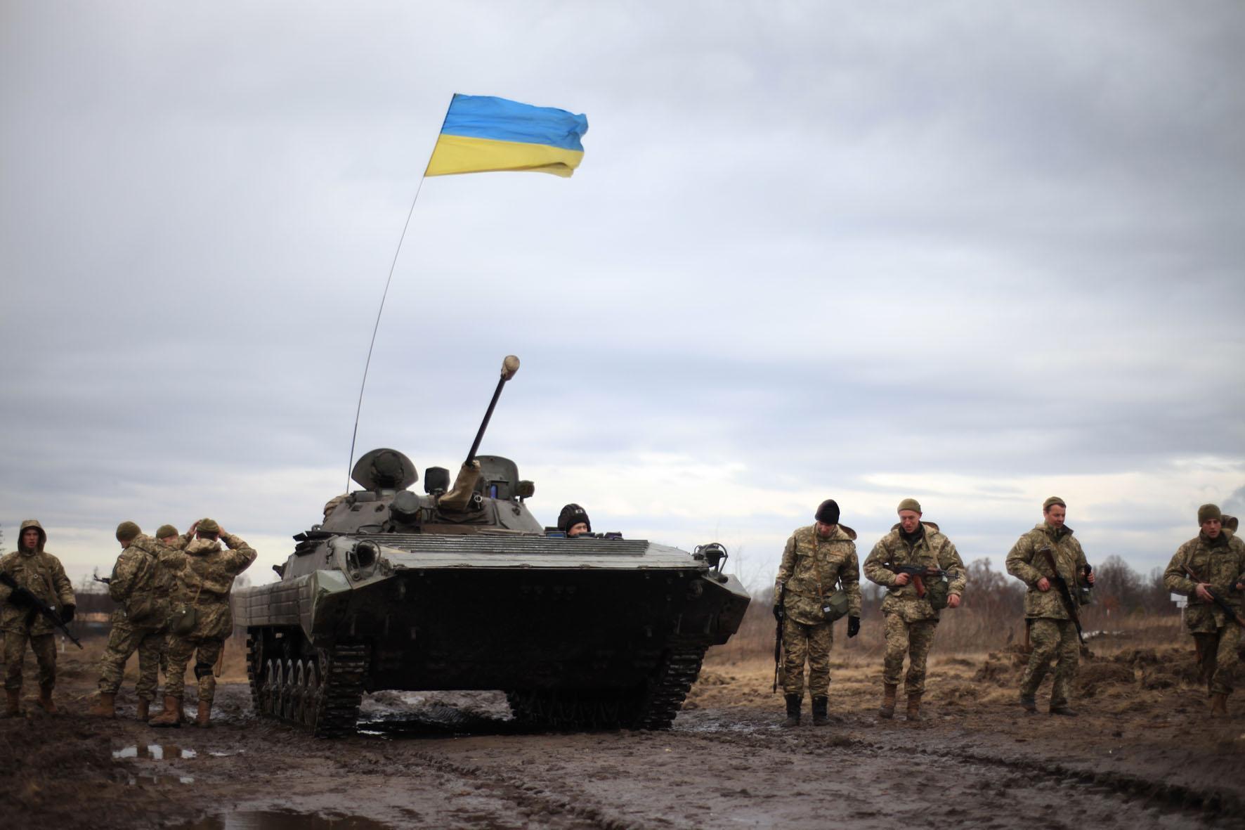 Доба у зоні бойових дій на Донбасі: троє військових поранені
