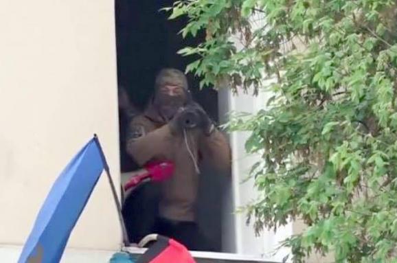 Гранатомет у вікні - Аваков пояснив, чому штурмували офіс ОУН