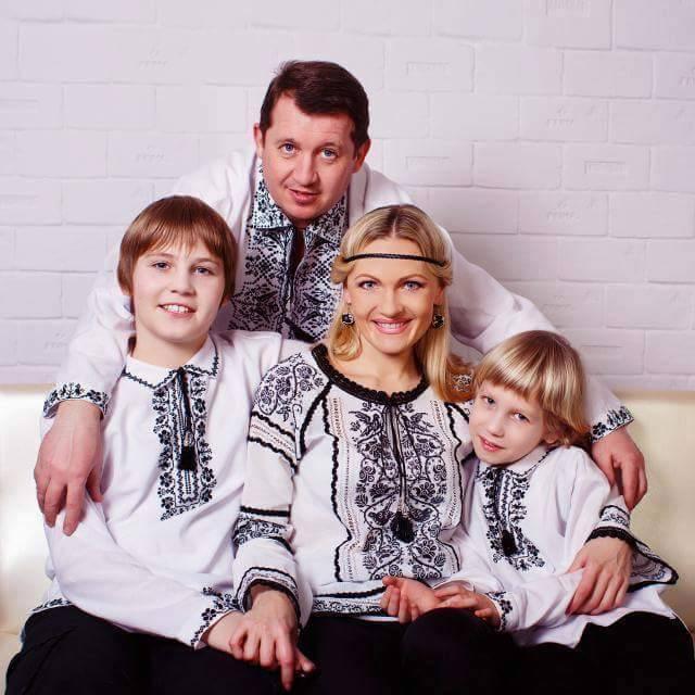 Де обрати найкращу вишиванку. 9 українських брендів 4fa567cc20f2b