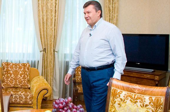 Прокурор розповів, зким контактував Сурков зачасів Януковича