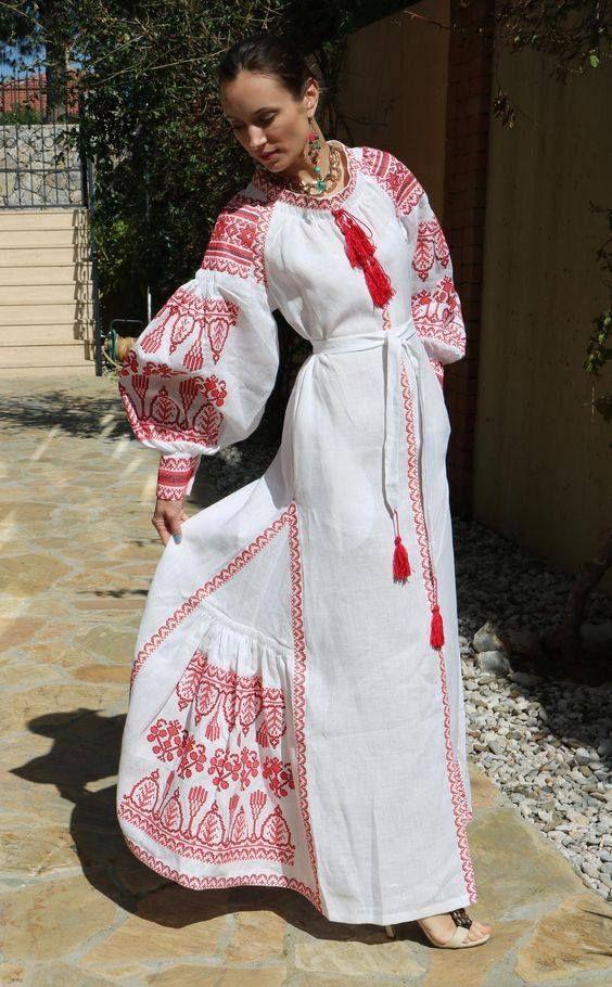Американський модний журнал про моду Vogue назвав українську вишиванку  модною. Її успіх видання пояснює появою модельєра Віти Кін b2f392f247184
