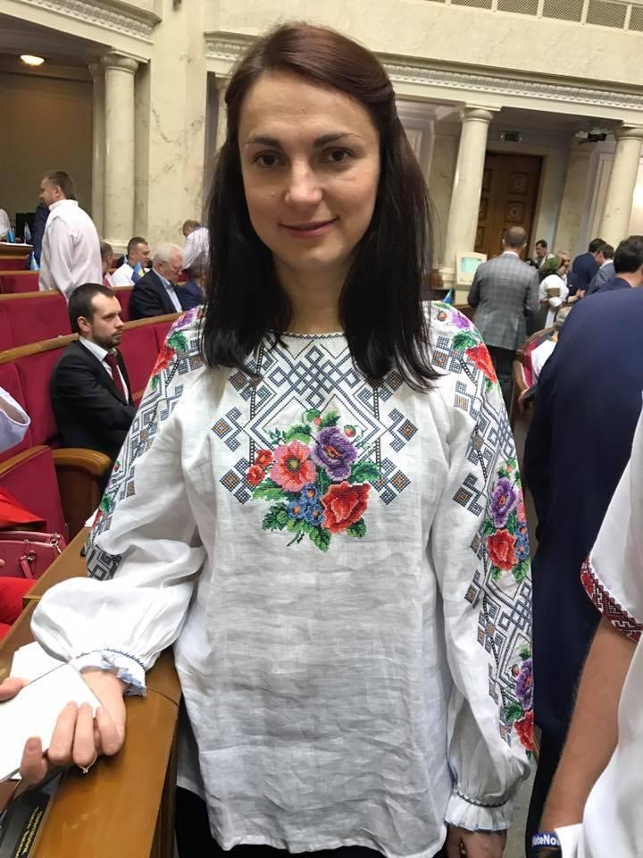 Как политики в Украине нарядились в вышиванки. Фоторепортаж