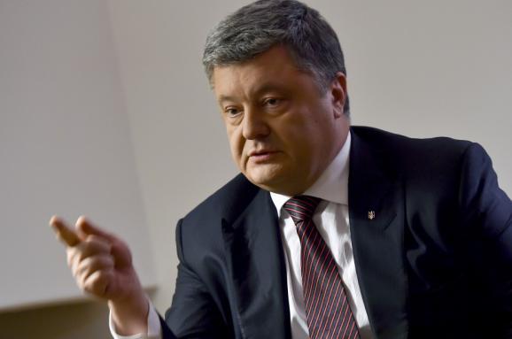 Порошенко: Відновлення відносин G7 зМосквою пролягає через Київ