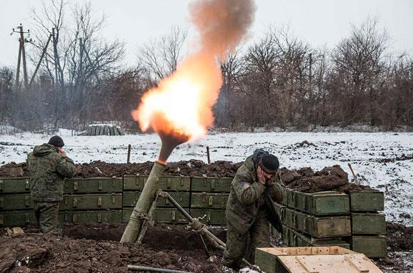 Бойовики обстріляли вантажівку ЗСУ: постраждали 10 військових