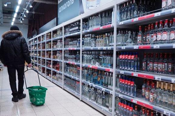 Суд скасував заборону реалізації алкогольних напоїв натериторії Києва у нічний час