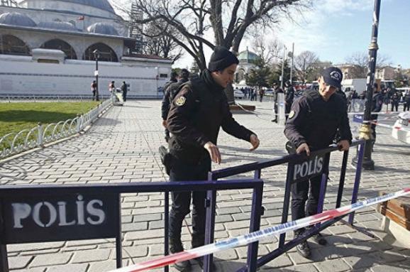 Теракт уцентрі Стамбула: терорист-смертник виявився бойовиком «Ісламської держави»