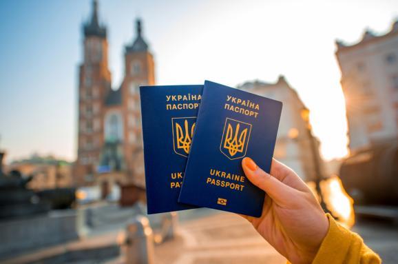 Понад 4 тисячі українців без віз перетнули кордон з ЄС, сімом відмовлено