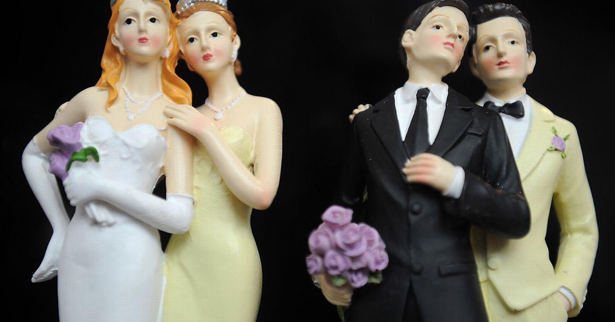 trahnuli-lesbi-svadba-v-turtsii-shlyuhi-ogromnimi