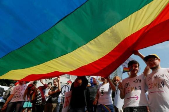 Есть прогресс, но гомофобия осталась. Как оценили иностранные СМИ ЛГБТ-марш в Киеве