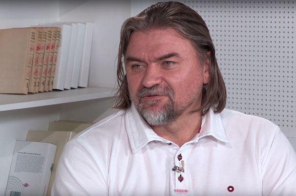 Олесь Санин: Я пытаюсь через фильмы менять страну, иногда мне это удается