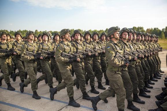 Порошенко оголосив призов доНацгвардії