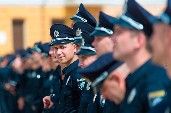 Поліція слідкуватиме забезпекою нафутбольних аренах України,— ФФУ
