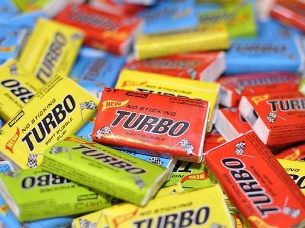 16 странных игрушек, от которых мы сходили с ума в детстве: лизун, радуга, тамагочи