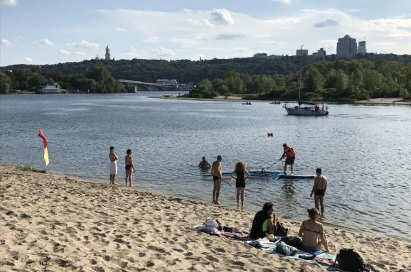 УКиєві безпечними визнали два пляжі зодинадцяти