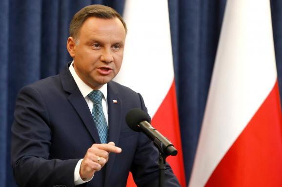Майдан вПольщі: президент Дуда накладе вето наскандальні закони