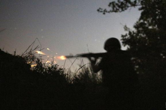 Штаб: Військові вночі відбили атаку бойовиків урайоні Катеринівки