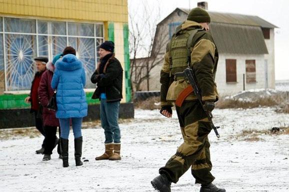 Жителі Горлівки побили п`яного російського офіцера