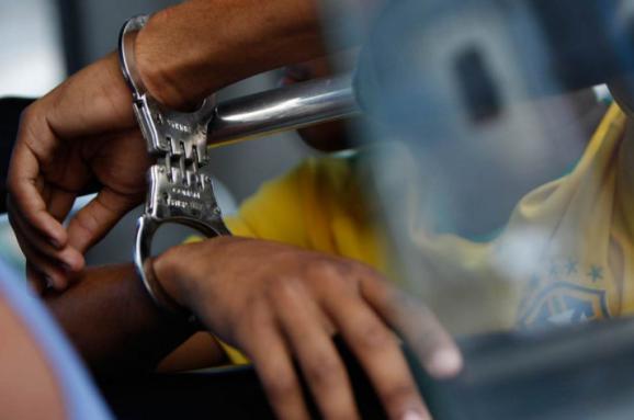 Нелегал з Конго напав на поліцейського у Тернополі