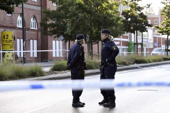 Невідомий влаштував стрілянину у шведському Мальме, троє поранених