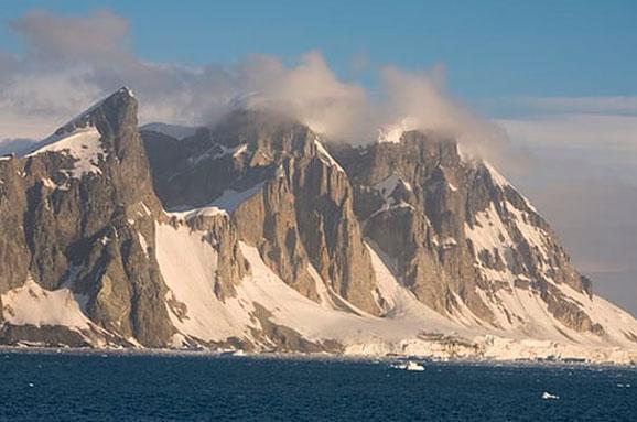 Під вічною мерзлотою Антарктиди знайшли ще91 вулкан