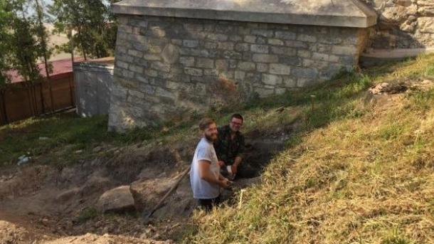 В Тернополе обнаружили стену времен средневековья