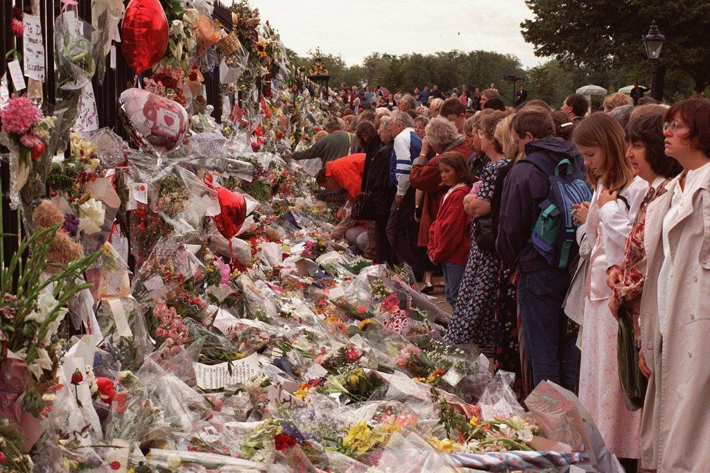 a look at the aftermath of the sudden death of princess diana Her sons coped with the tragedy maturely and despite having received immense flak for diana's death, the royal family gathered to pay their respects to the life and legacy of the people's princess on september 5, 1997.