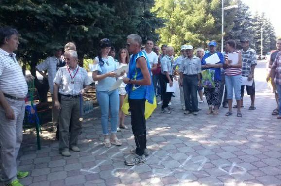 Соцмережі: У «ЛНР» затримали переможця спортивних змагань, який розгорнув прапор України