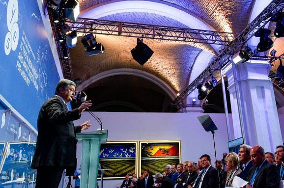 Порошенко запропонував створити «міжнародне коло друзів деокупації Криму»