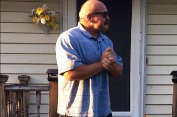 Як 66-річний чоловік вперше побачив світ кольоровим