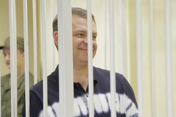 Слідчих і прокурорів усправі Корнійця і Шапакіна звинувачують увитоці інформації