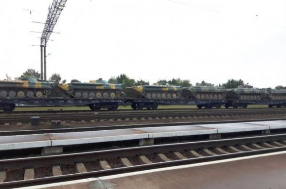 Росія виводить з Білорусі свої танки і техніку