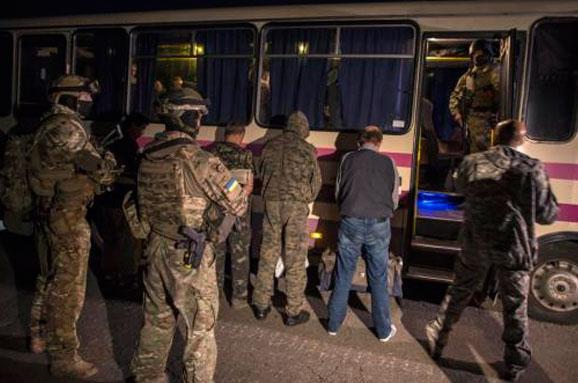 Геращенко: Україна готова передати бойовикам понад 300 осіб вобмін назаручників
