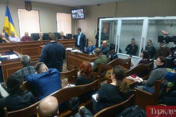 Екс-«беркутівців», обвинувачених урозстрілі Майдану, суд залишив за ґратами