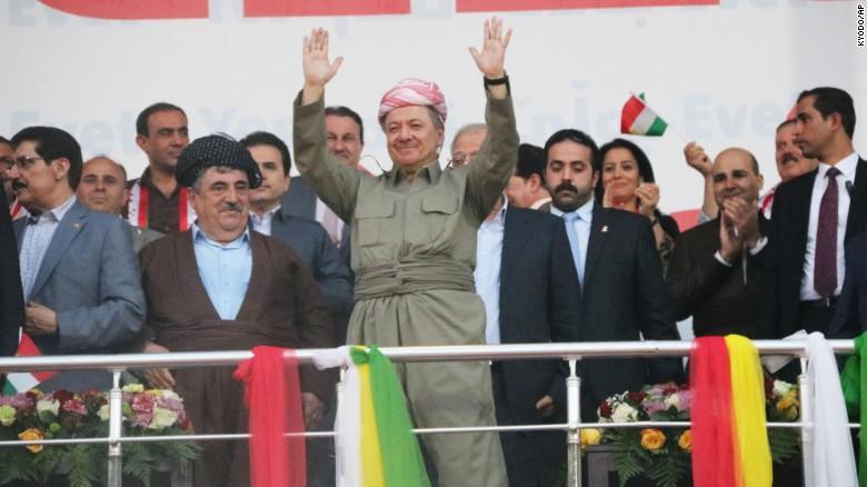 Керівник Курдського регіонального уряду Масуд Барзані зі своїми прихильниками