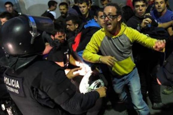Уряд Каталонії: всутичках зполіцією Іспанії поранені 38 осіб